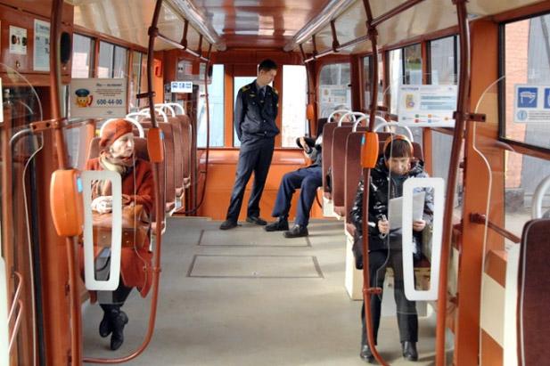 Салон модернизированного трамвая