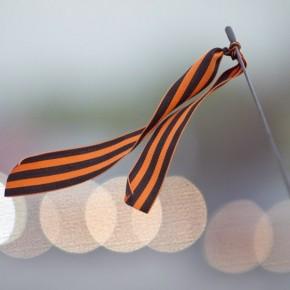 Георгиевские ленточки в Петербурге к 9 мая 2014 начали раздавать заранее