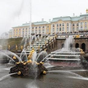 Сезон фонтанов в Петергофе начнется 1 мая, в Петербурге - на 2 недели раньше