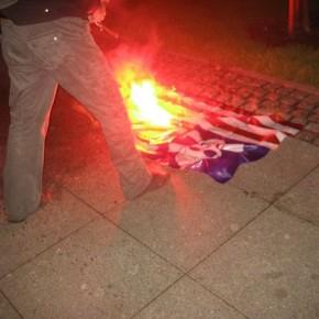 В Петербурге консульство США забросали дымовыми шашками