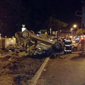 В смертельном ДТП на Песочной набережной Mercedes сбил дорожных рабочих