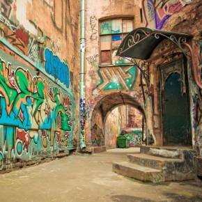 Рисовать граффити в Петербурге разрешили по 102 адресам